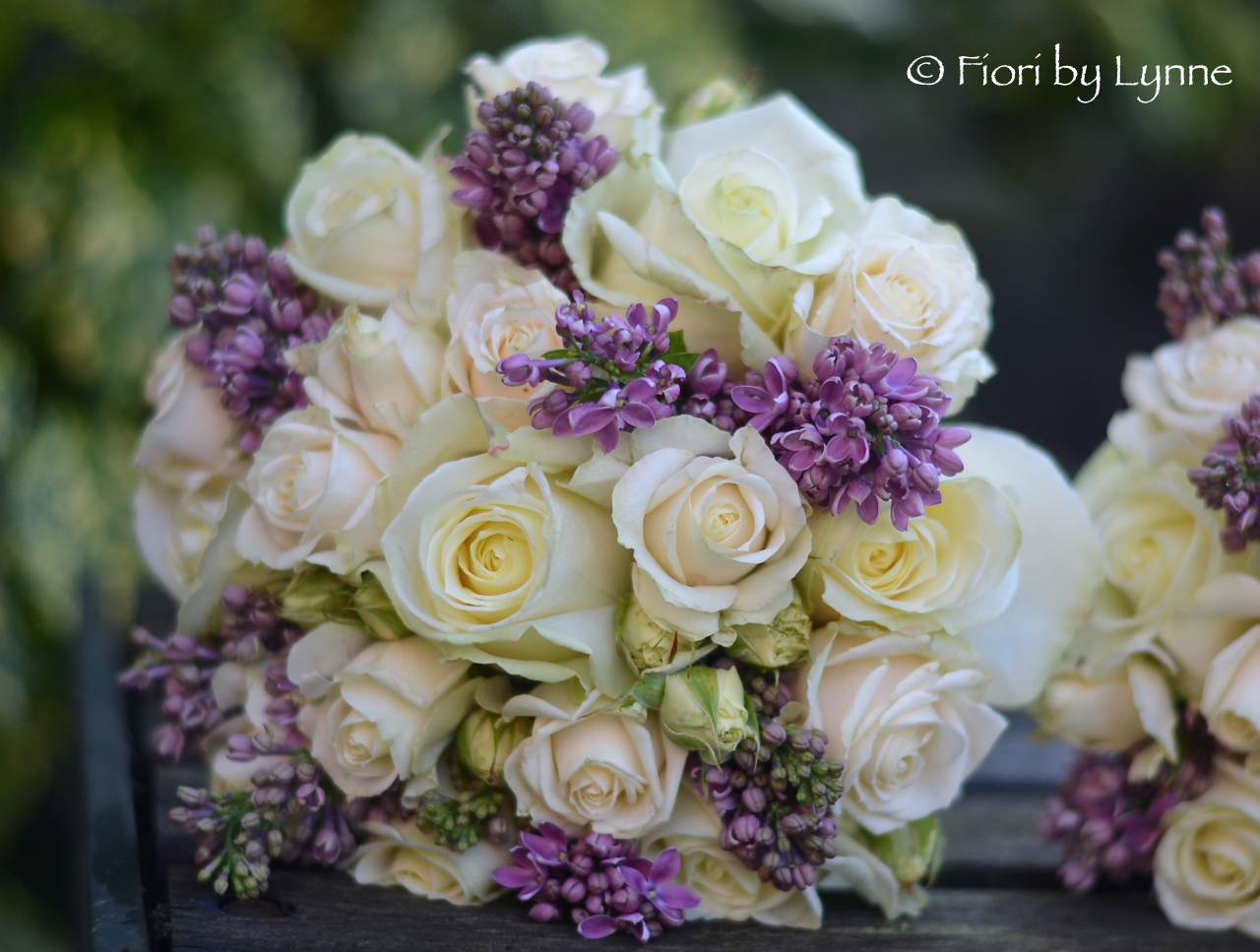classic-spring-bouquet-cream-roses-mauve-lilac-syrings.jpg