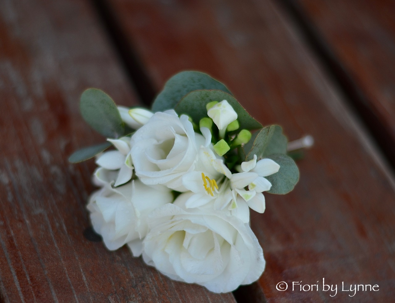 Angelas Classic White And Silver Wedding Flowers Rhinefield House