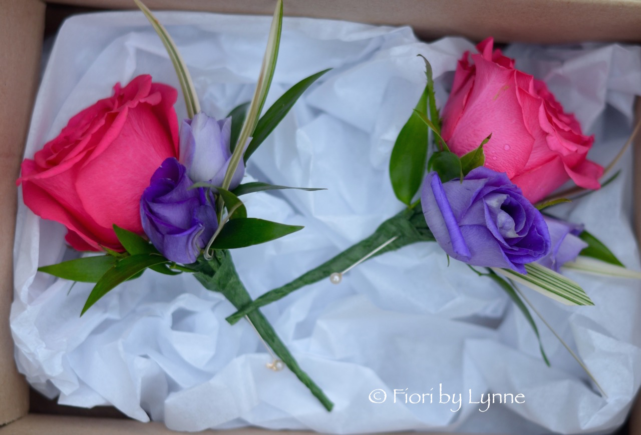 fuschiapurple-buttonhole-rose-lisianthus-grass.jpg