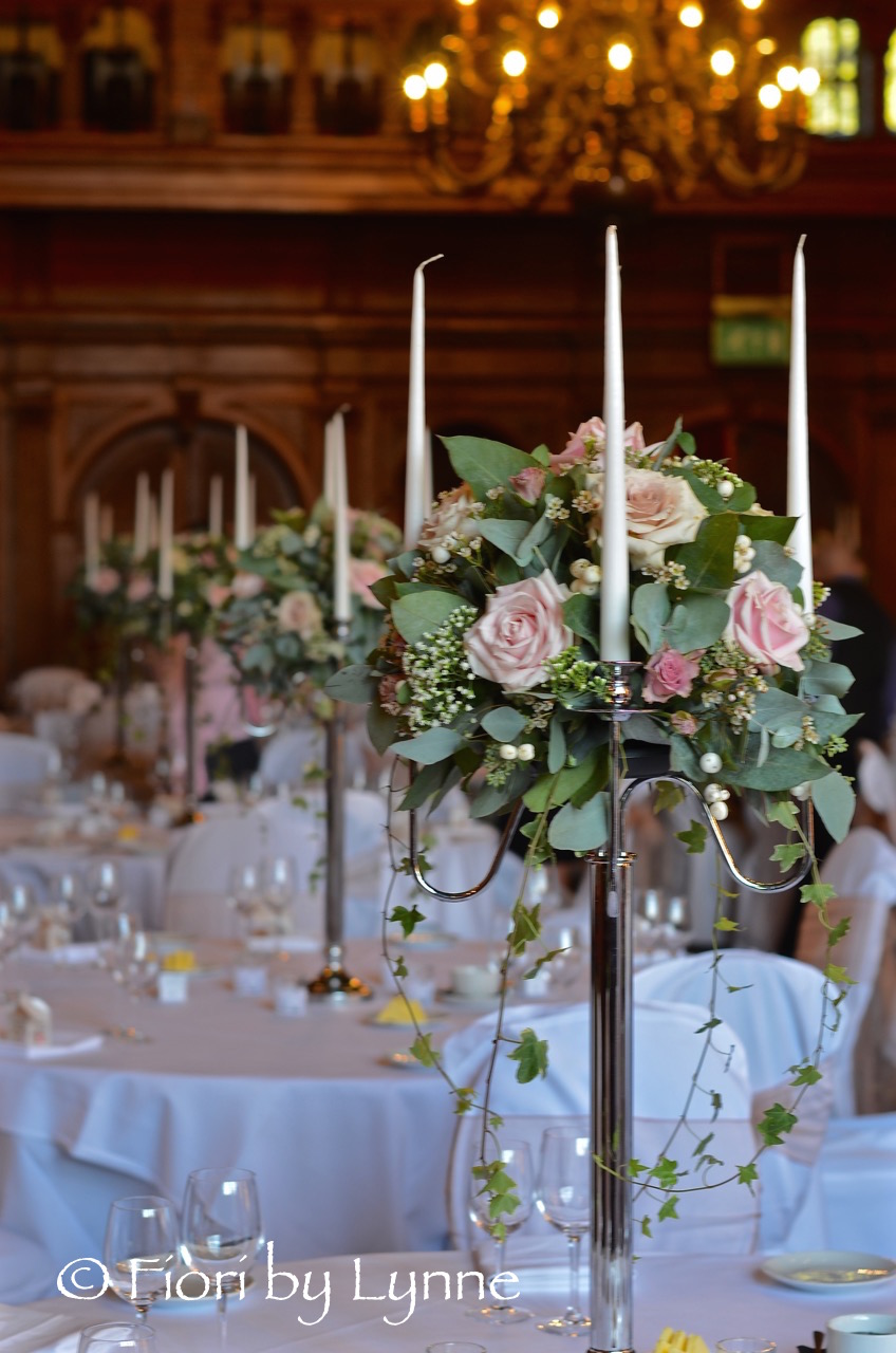 rhinefieldhouse-candelabra-wedding-flowers-natural1.jpg