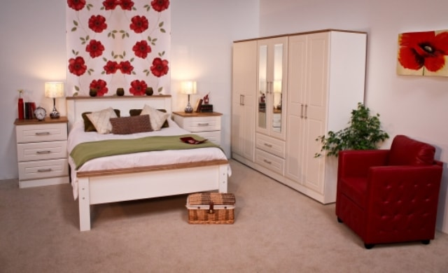 Classic Range, Blackwater Ivory & Oak Bedroom Range