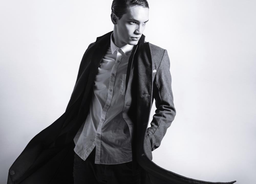 Male fashion show poses 60