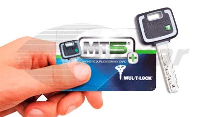 Copla llaves con tarjeta
