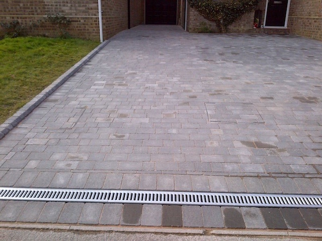 Recommended driveway companies in Lightwater, Surrey