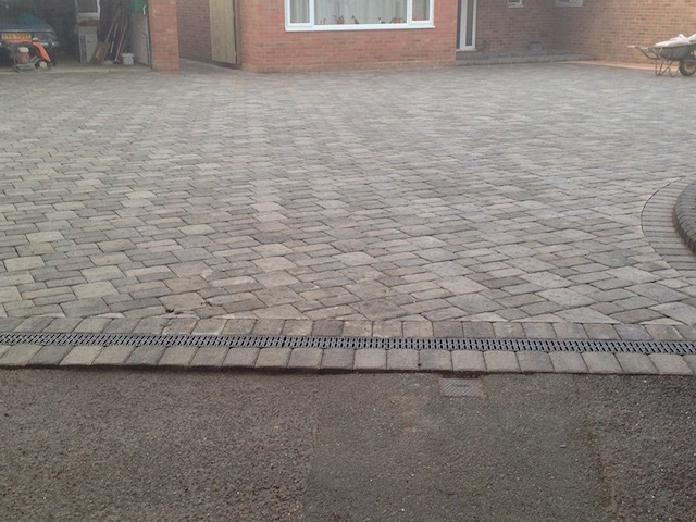 Block pavers West Byfleet