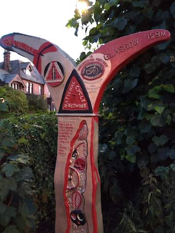 Totem with information on National Cycle Network Route 7