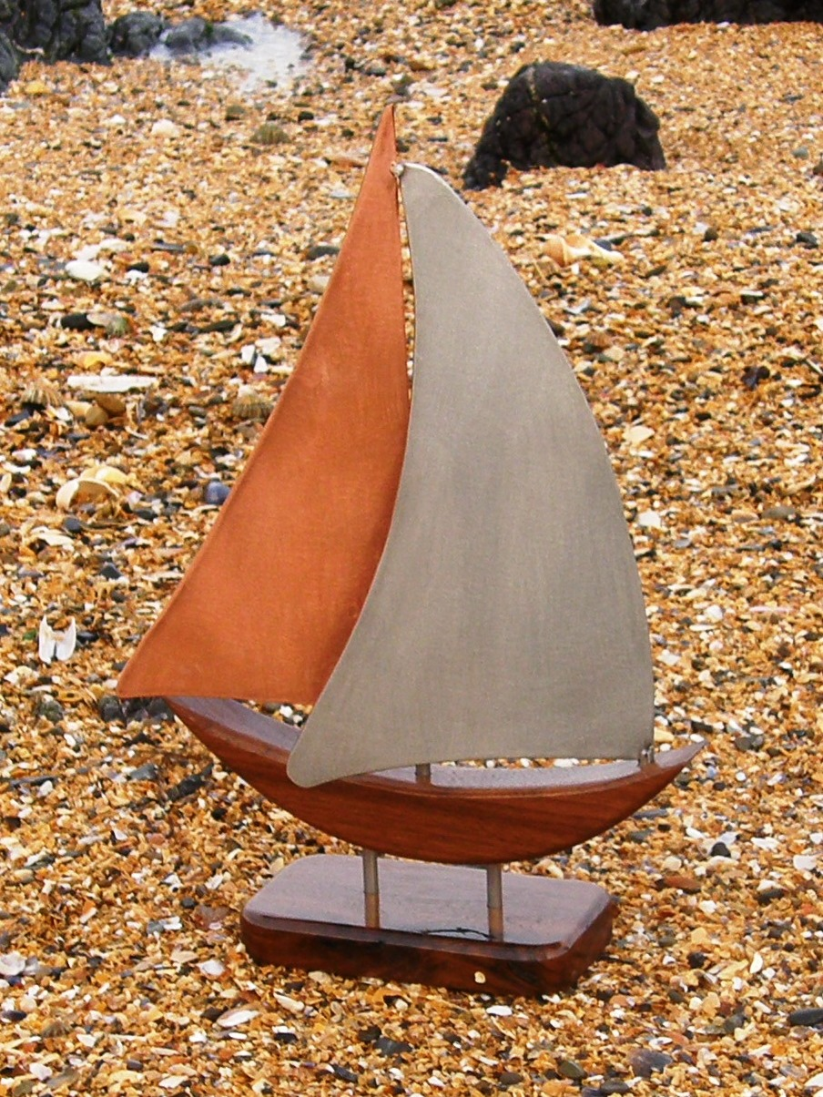Zanzibar Yacht Model on a Port Tack.