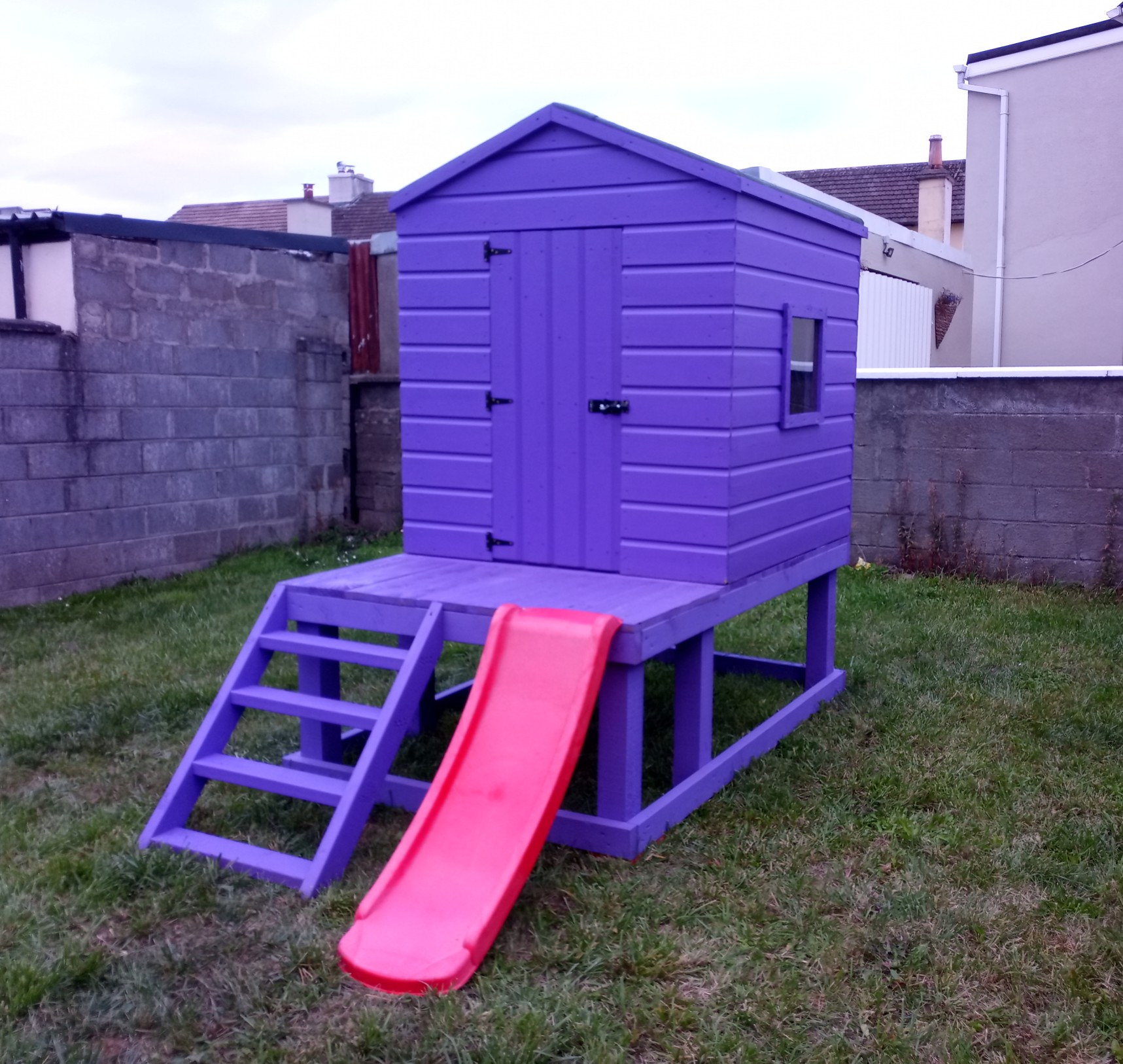 "4'6"" x 4'6"" Playhouse"