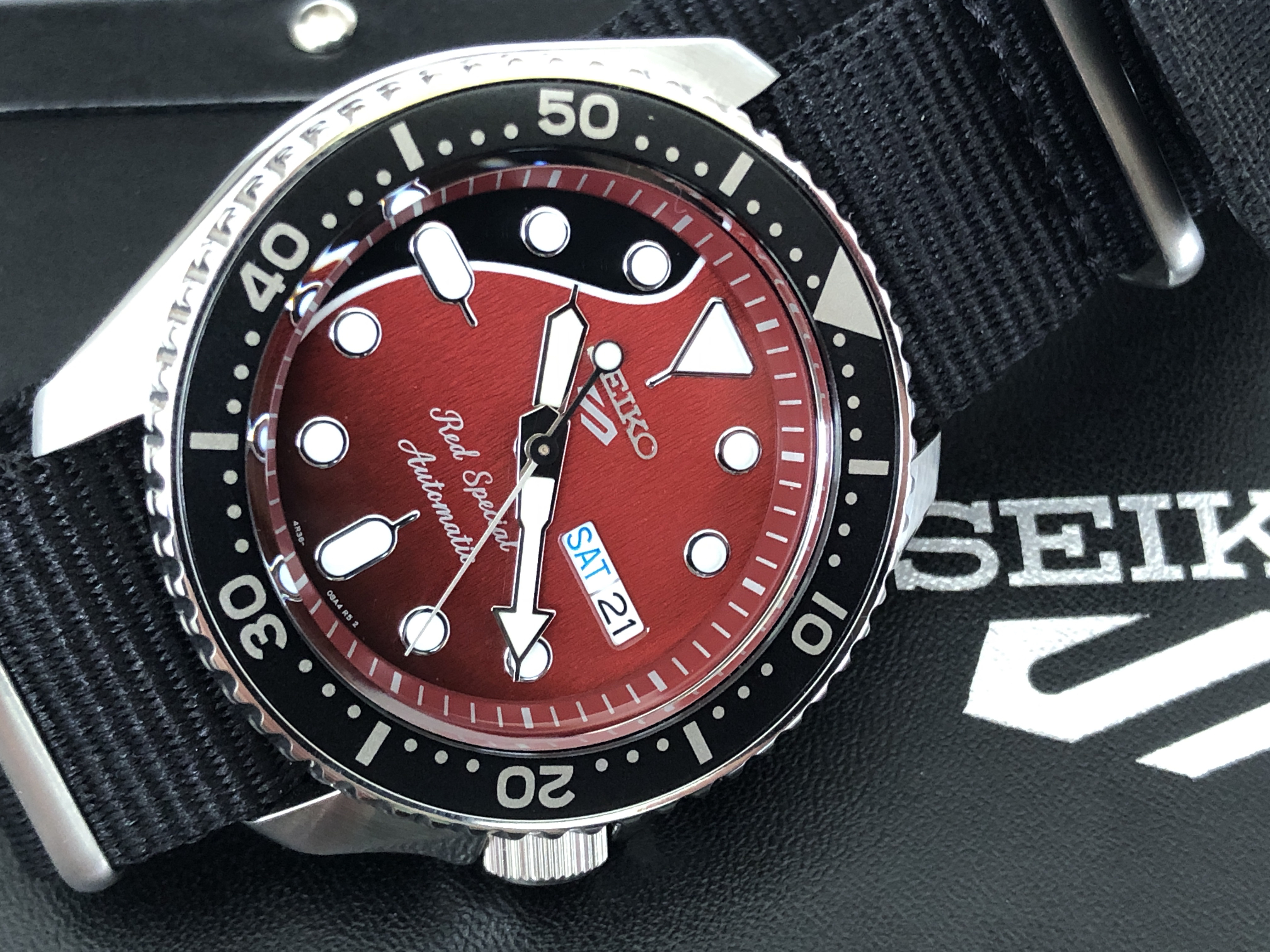 Seiko 5 Sports 4R36-08Y0 SRPE83K1 Red Special (For sale)