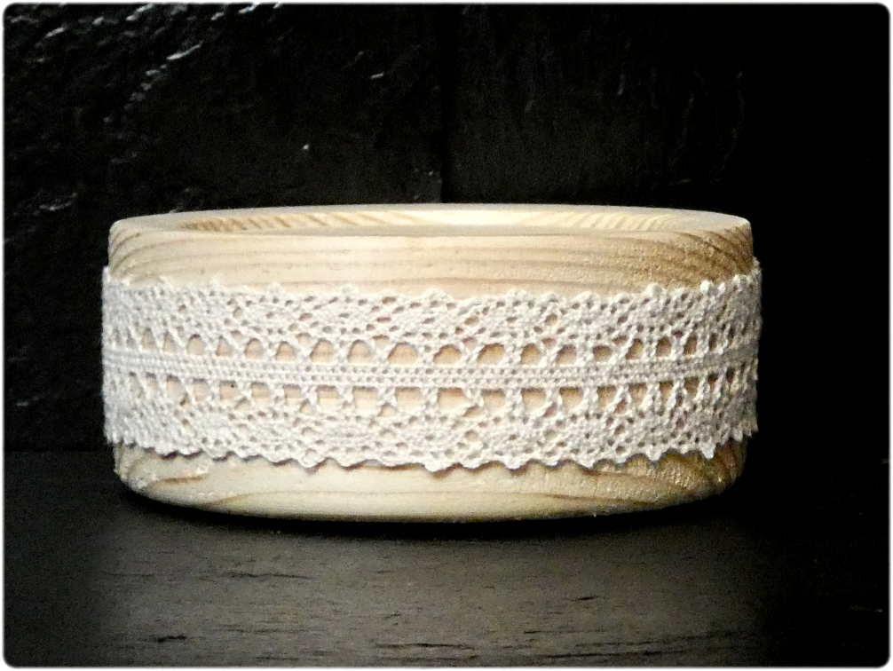 Lace is available in Ivory or White. This base is suitable for all our candles.
