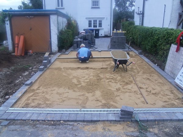 Construction of nbew block paved driveway in Byfleet, Surrey