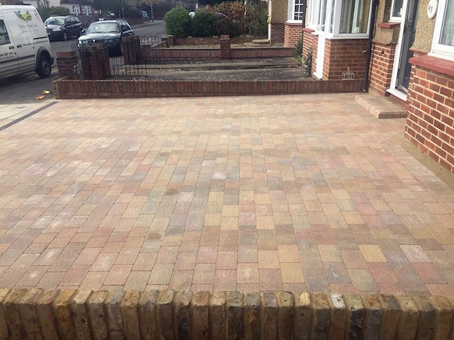 New block paved driveways Staines