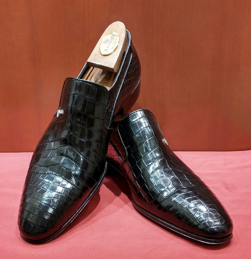 Slip-on Model 6P129 Black Crocodile