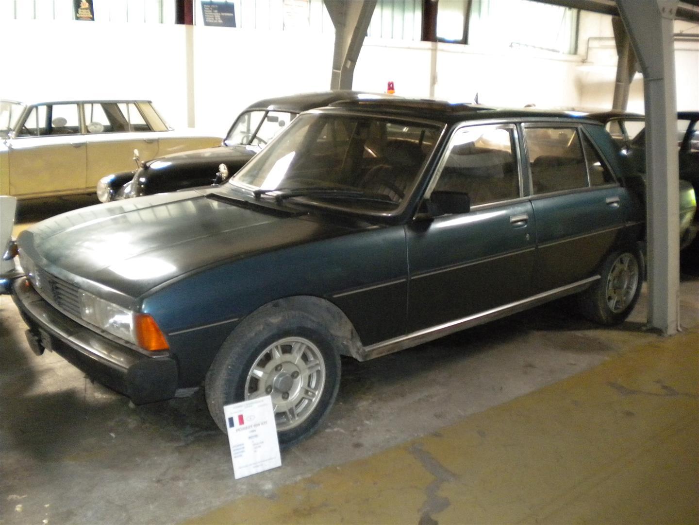 Peugeot 604 blau museum 20100614 124 Grojpg