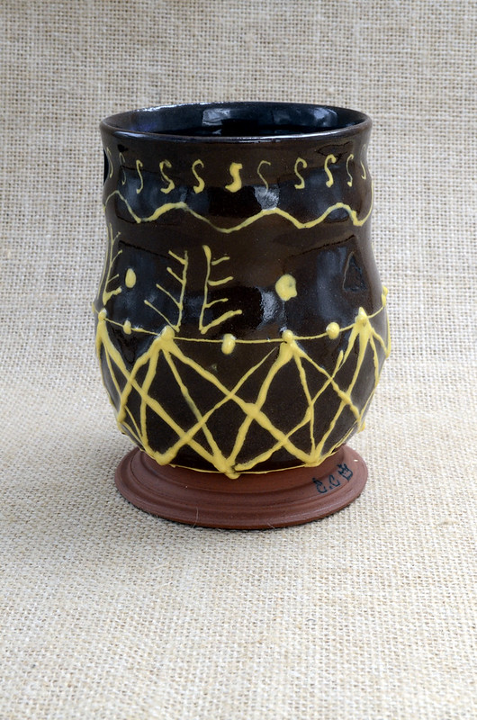 Medieval pattern slipware design