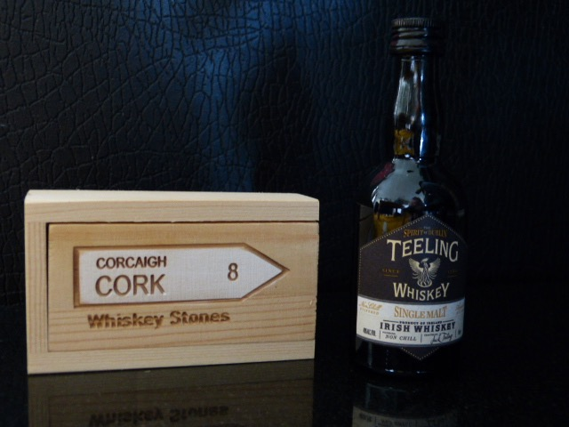 Cork Whiskey Stones with Teellng Whiskey Gift Set