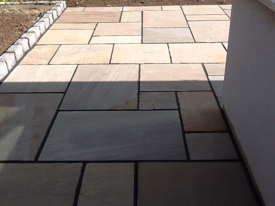 Patio builders Weybridge, Surrey