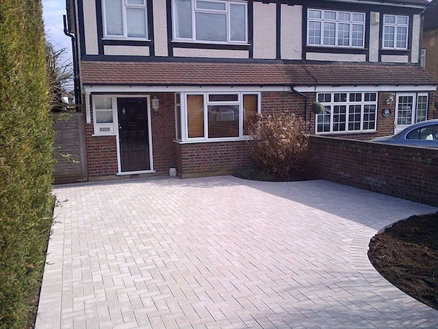 New block paved driveways New Haw, Surrey