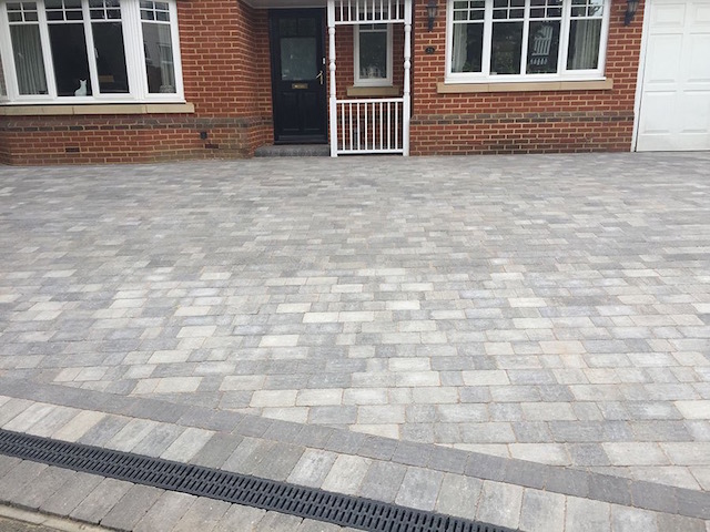 New driveway by Block Paving Surrey in Windsor Berkshire
