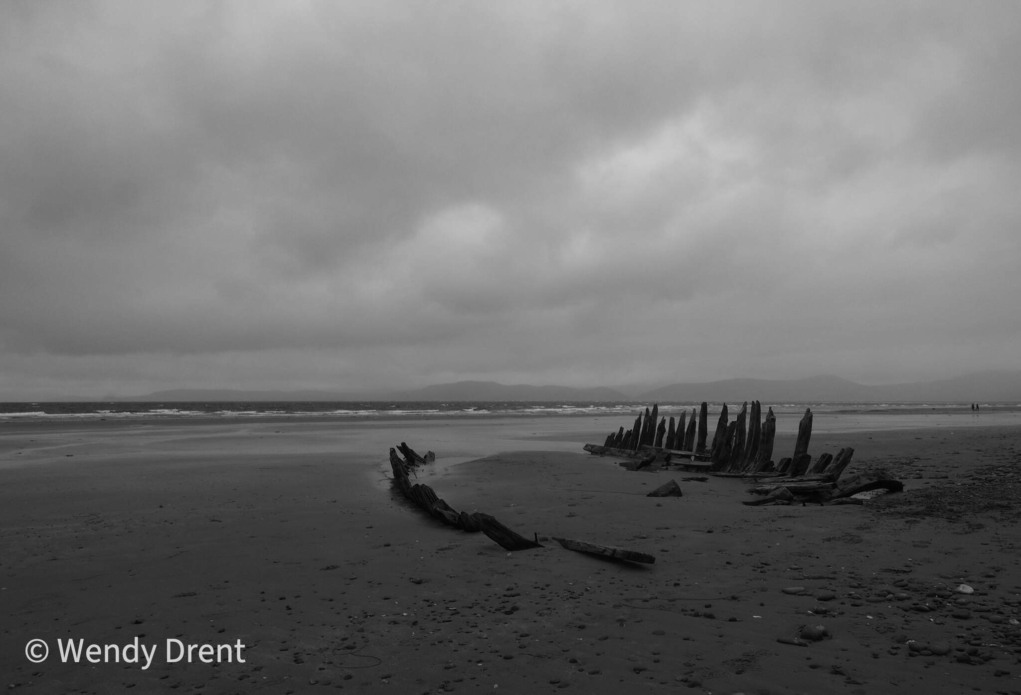 ship wreck, black and white, beach, ireland, atlantic ocean, wendy drent