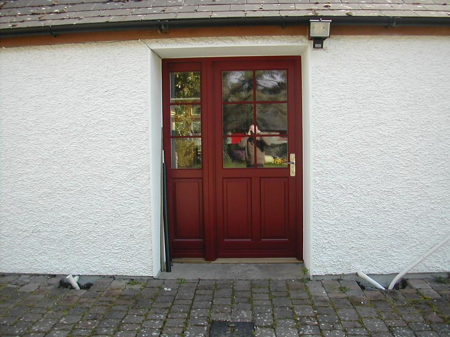 Door in ruby red, Ral no. 3003