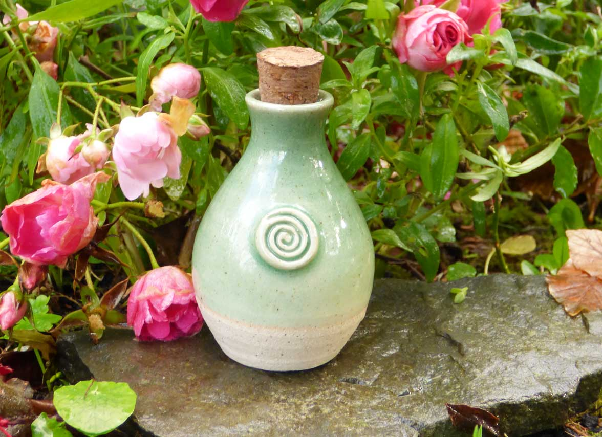 Green Holy Water Keepsake
