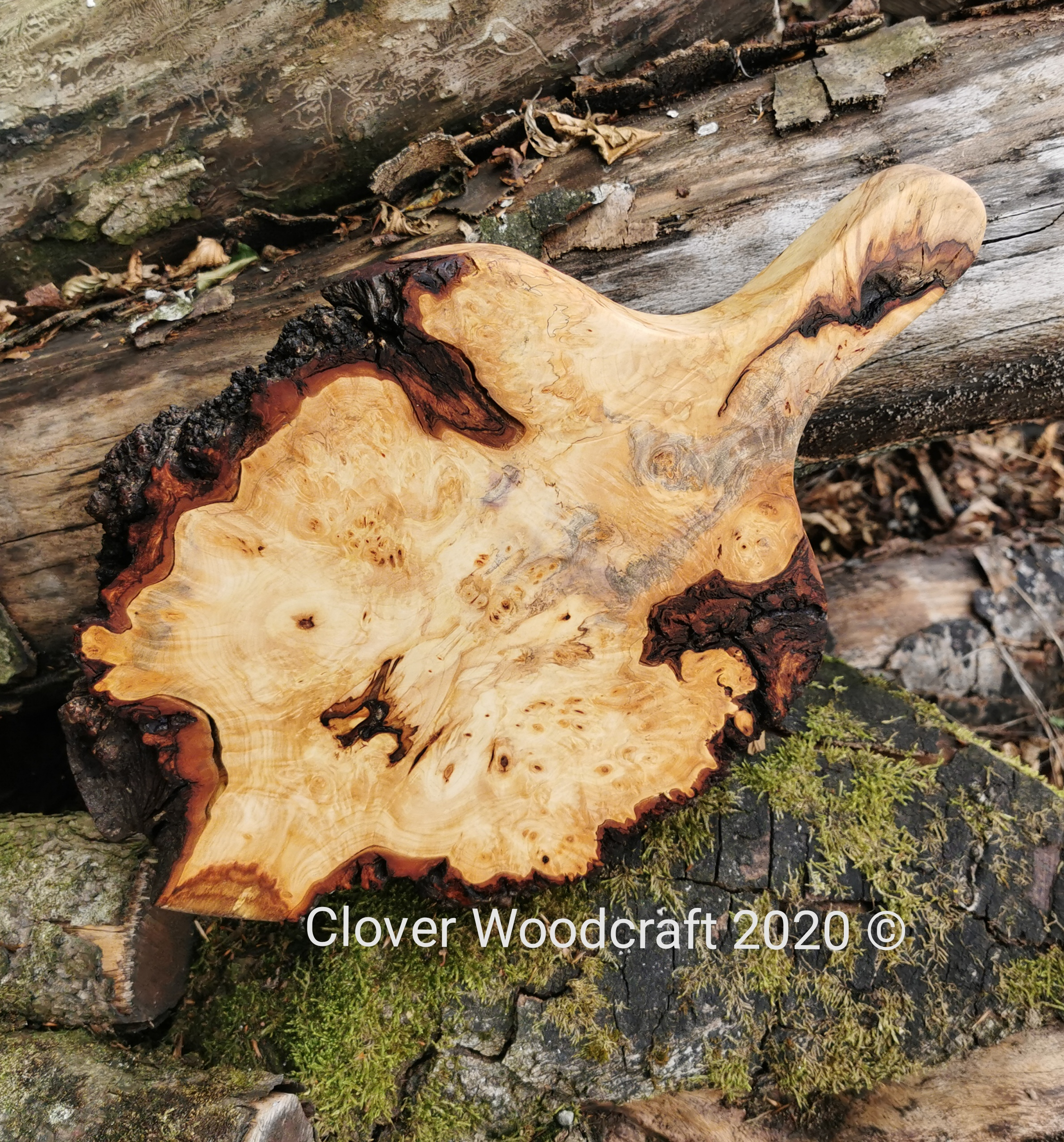Stunning Wooden Live Edge Burl Chestnut Chopping Board