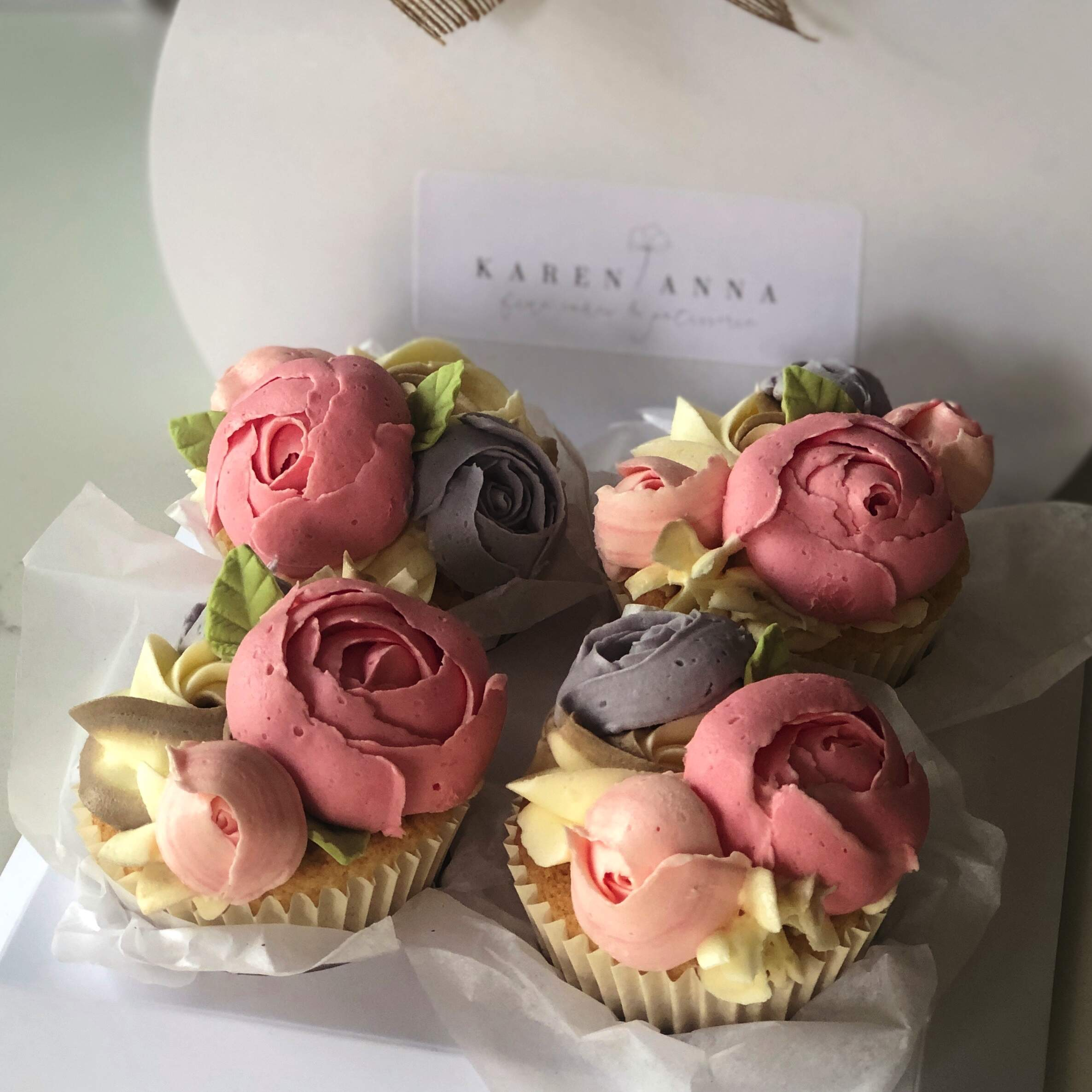 Buttercream Bloom Cupcakes - Gift Boxed