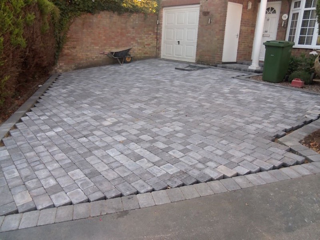 Recommended block paving driveway companies in Weybridge, Surrey