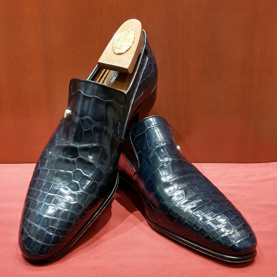 Slip-on Model 6P129 Navy Alligator