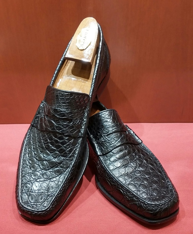 Loafer Model 368 Black Caiman