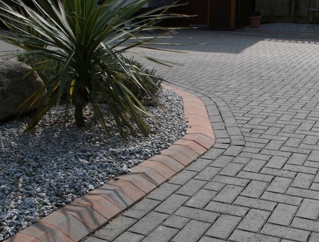 Block paving Beeswing