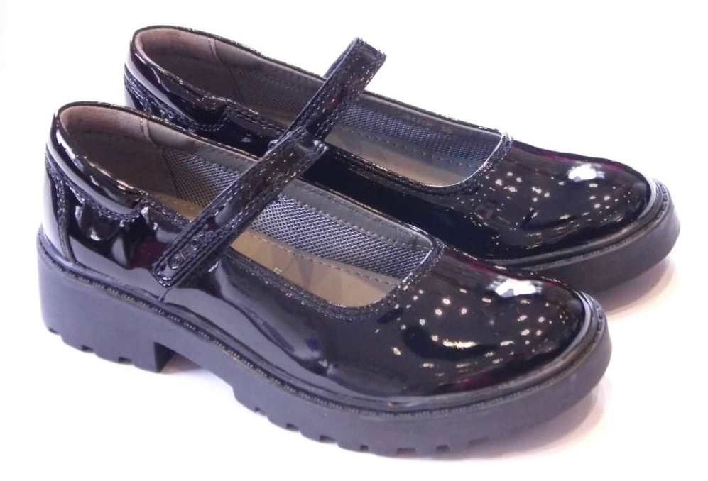 Girls school shoes Dumfries in purple patent leather