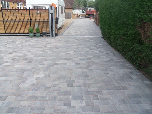 Recommended driveway companies Woking