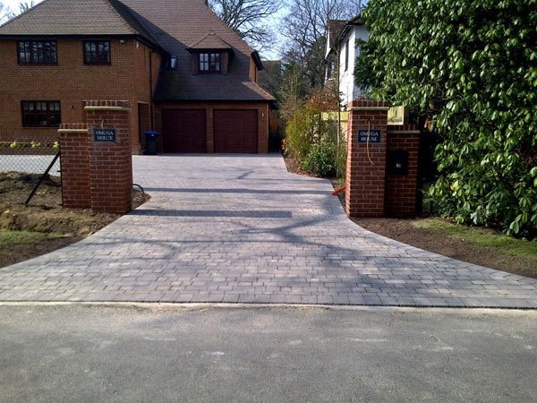 New block paved driveway in West Byfleet