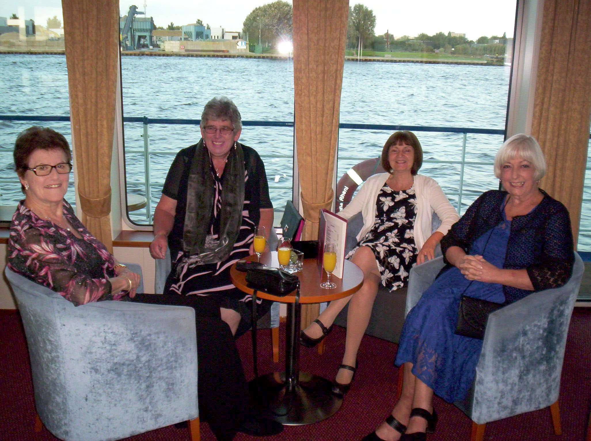 181009 AQ Dutch River Cruise Oct 2018 009a1jpg