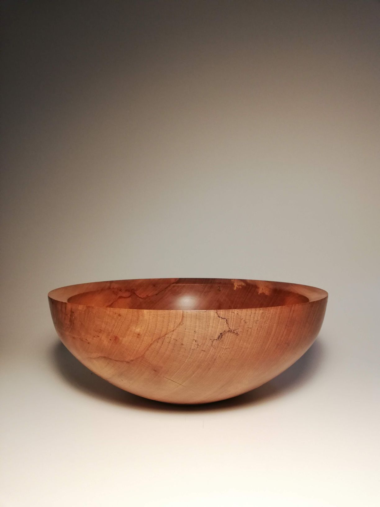 Large wooden bowl made from Irish beech. hand made by eoghan leadbetter in in kilkenny,ireland