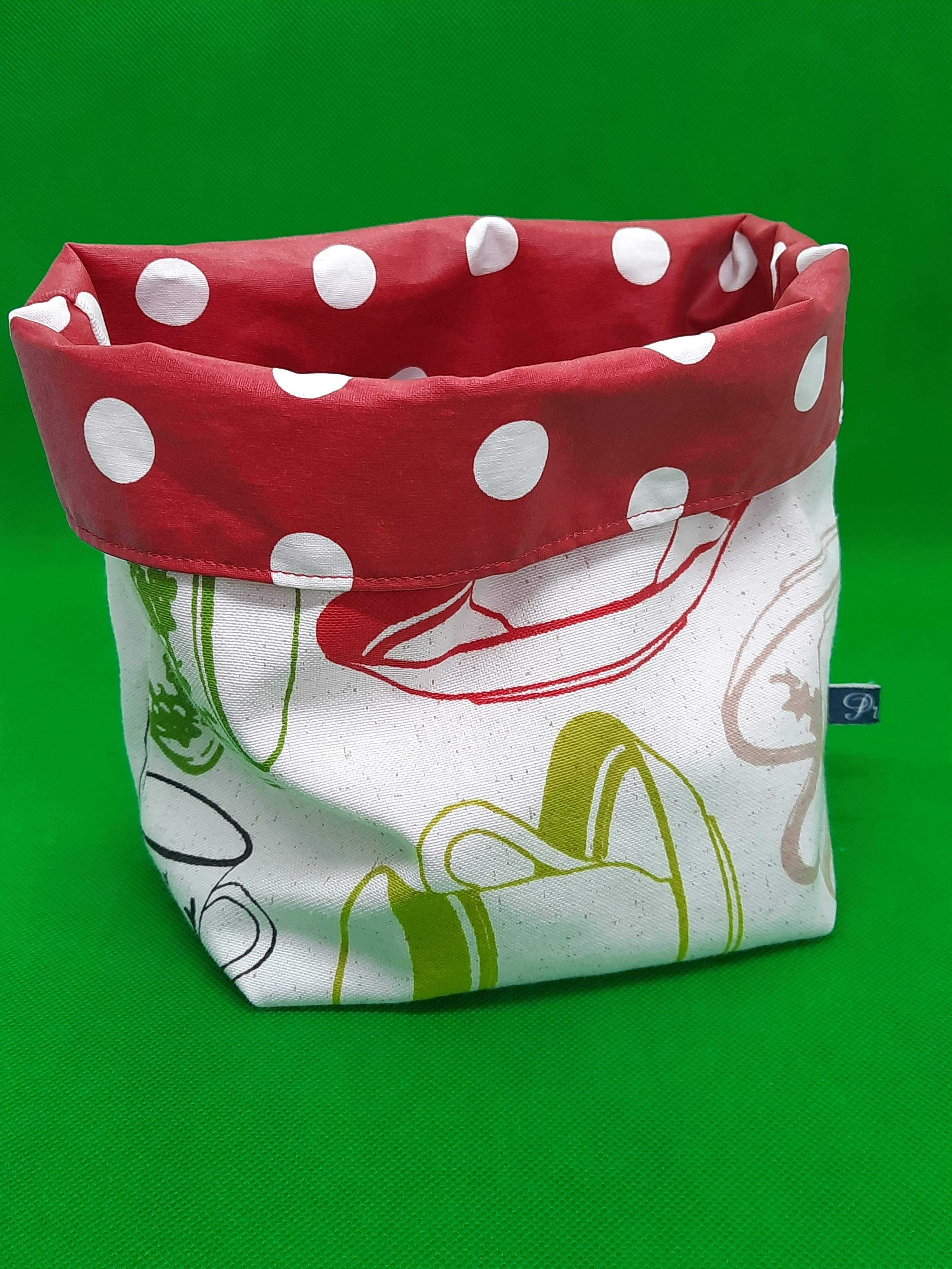 Storage bag made from remnants & lined with oilcloth
