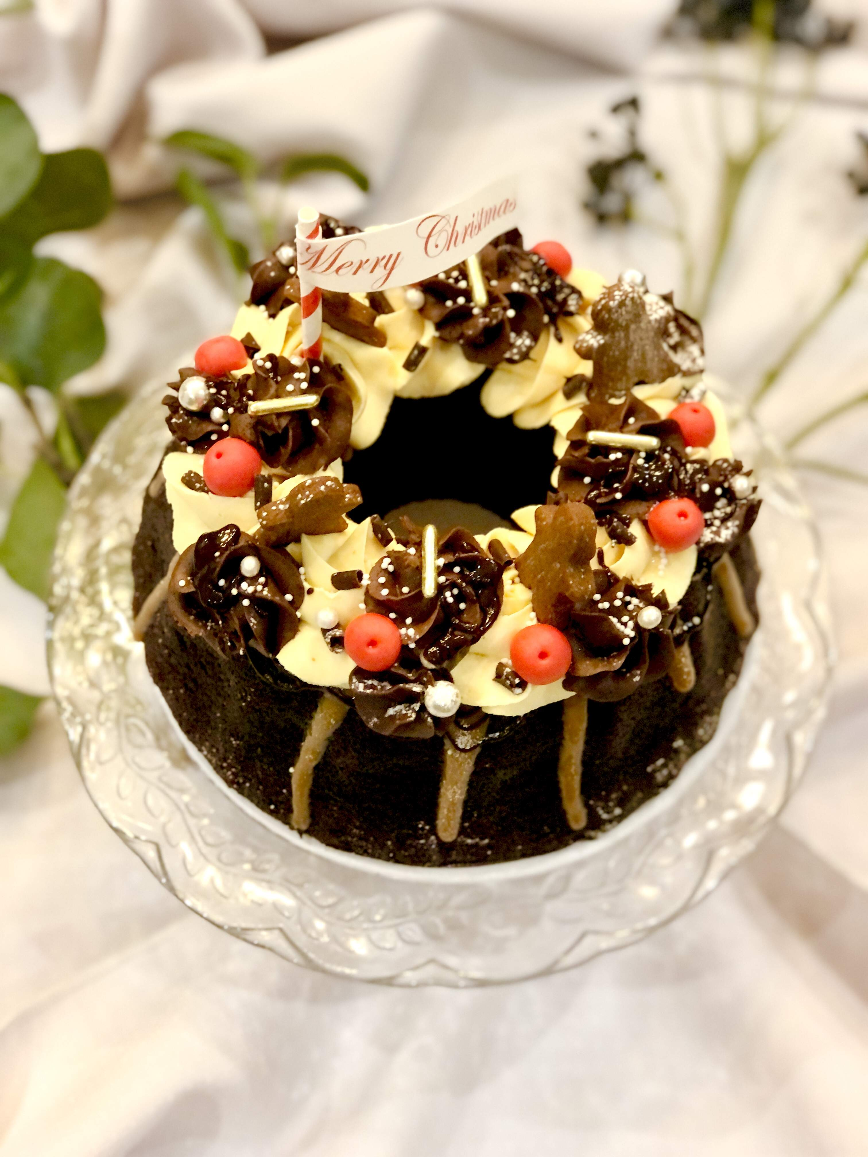 Christmas Wreath Salted Caramel and Chocolate Cake - Pre-order