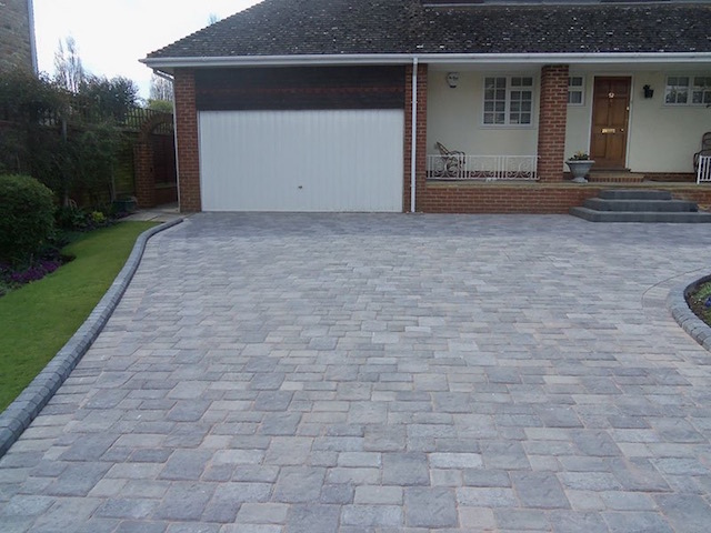 Datchet block paved driveway by Block Paving Surrey