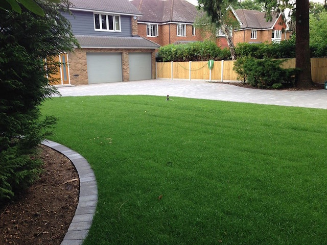 Block paving companies Block Paving Surrey supplied and laid a stunning new drive for clients in West Byfleet, Surrey
