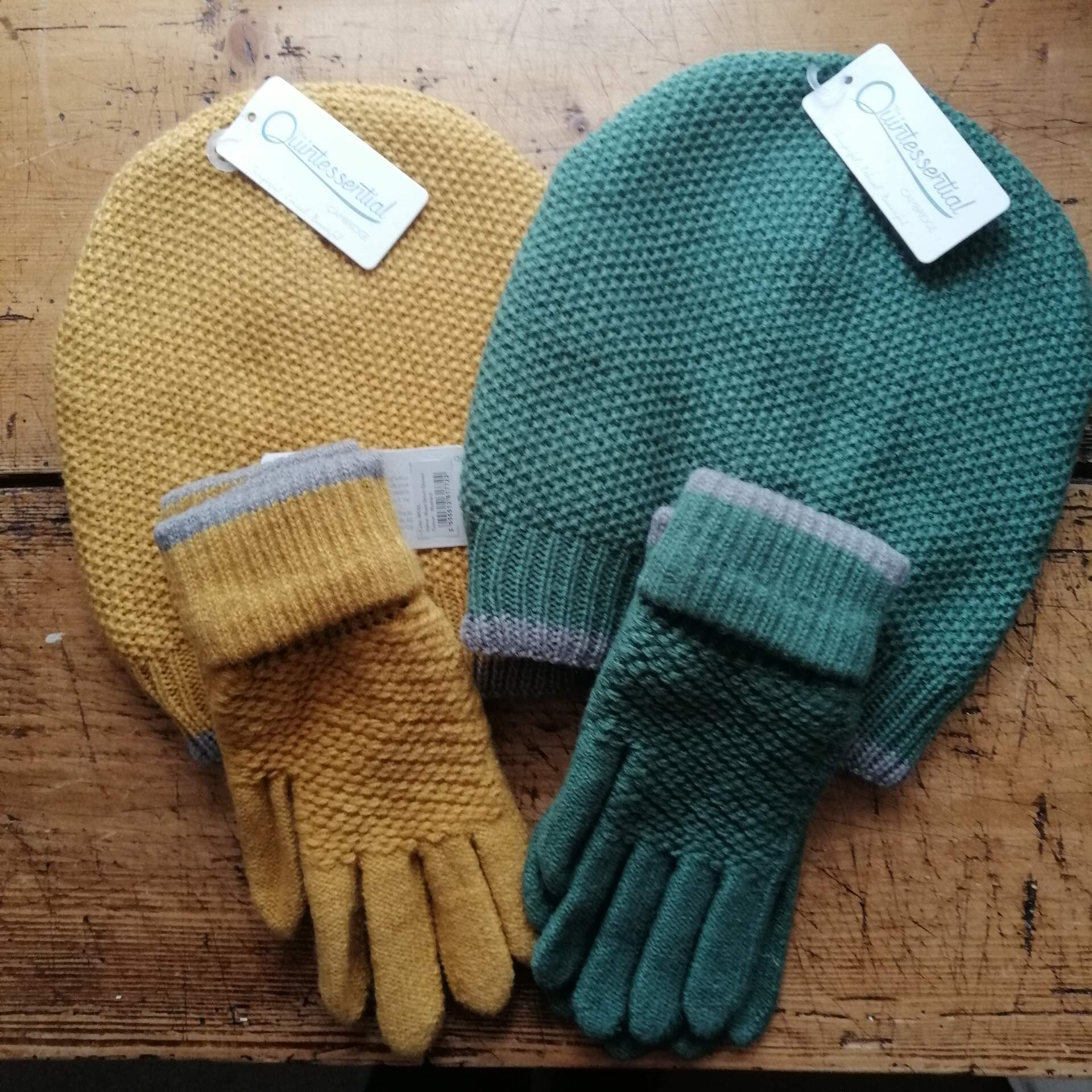 Moss Stitch Hat and Gloves