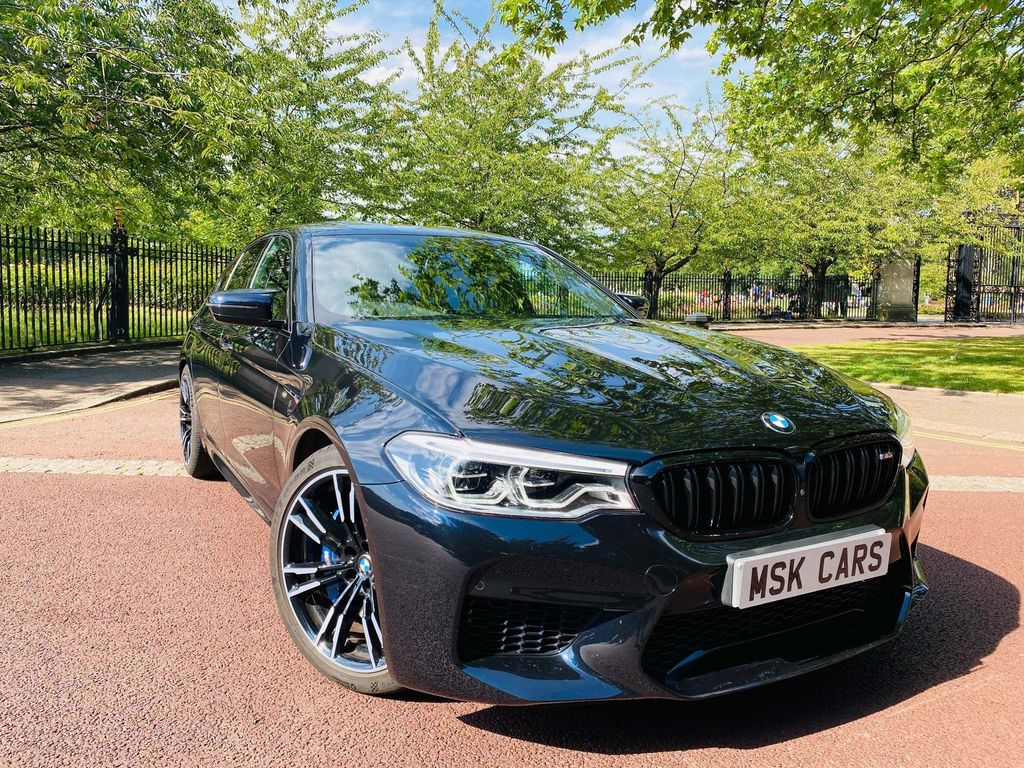 BMW M5 4.4 V8 Steptronic xDrive (s/s) 4dr