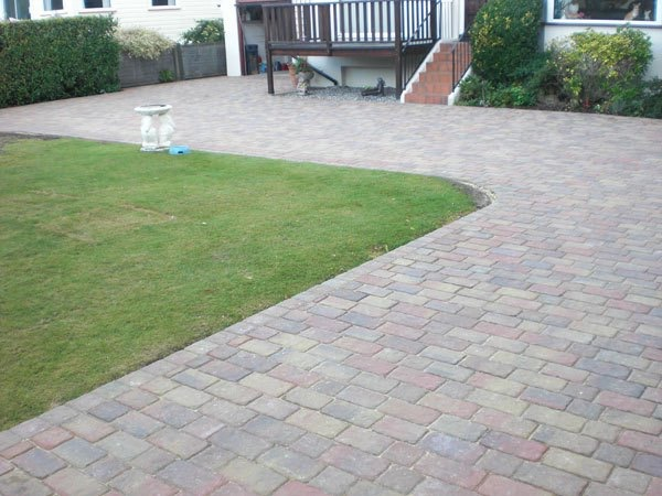 Best block paving companies in Shepperton