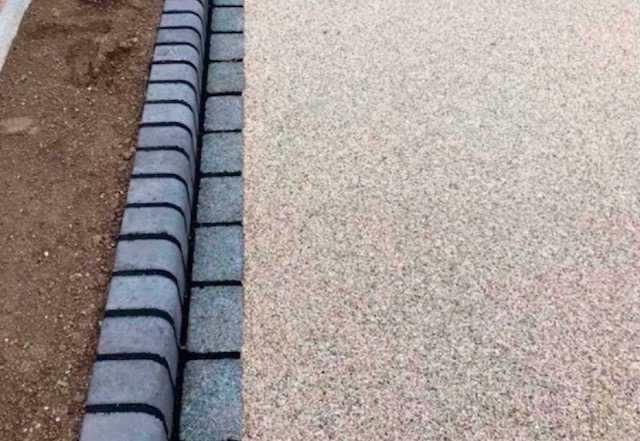 County Groundforce Ltd of Wolverhampton install resin-bound driveways
