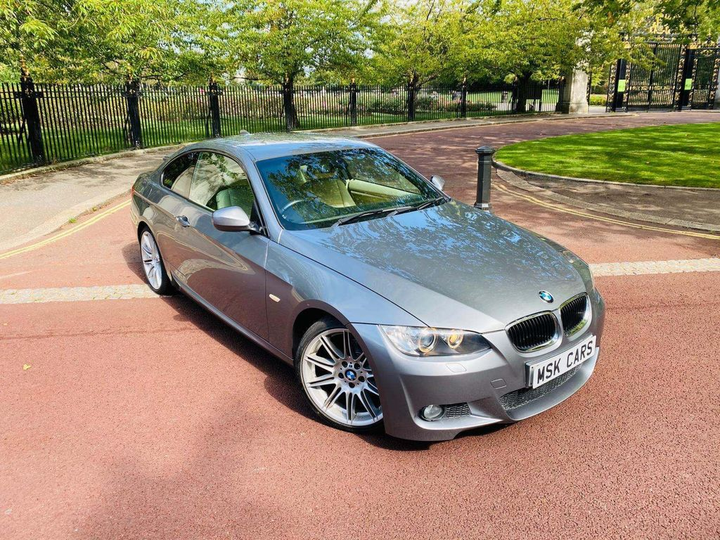 BMW 320i M Sport Highline - 2010