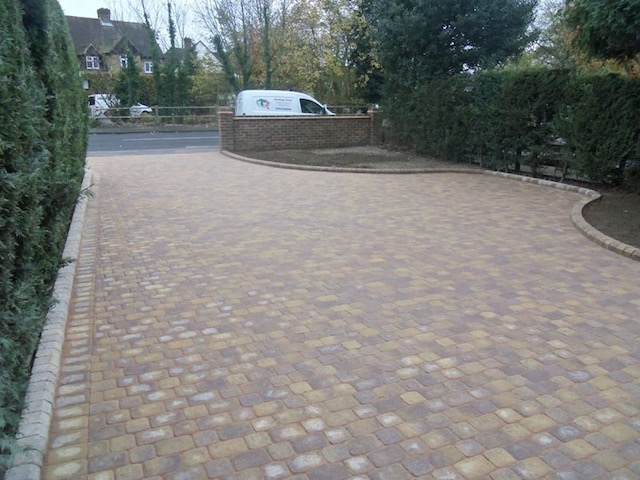 Best driveway firms Walton-on-Thames, Surrey