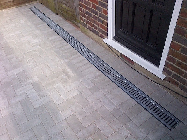 Recommended driveway firms New Haw, Surrey