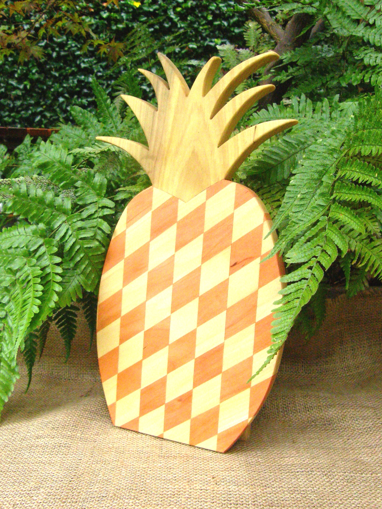 PINEAPPLE  BOARD Medium