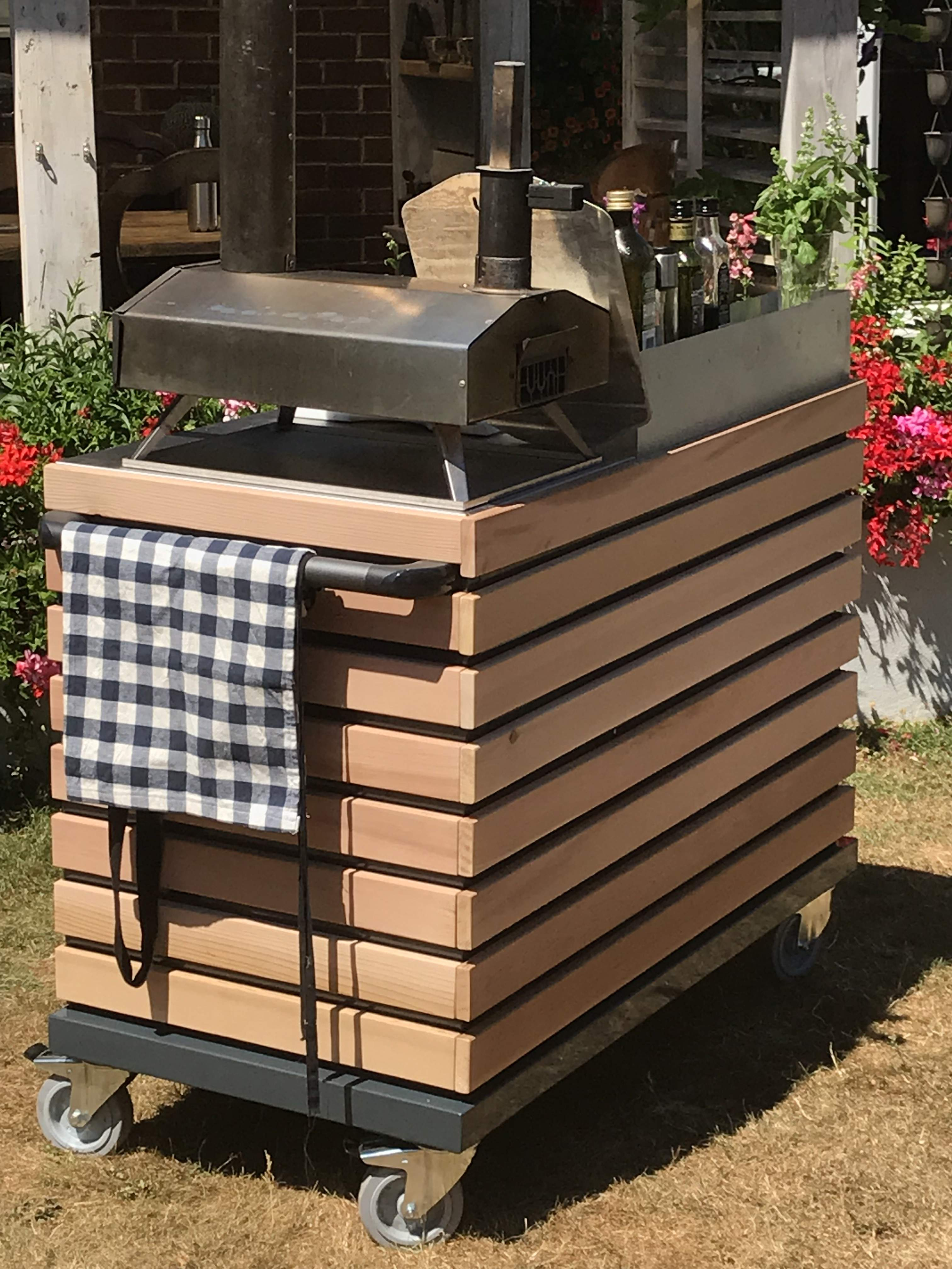 Garden Kitchens UK | Links | Outdoor Kitchens | Pizza Ovens